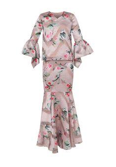 Top :- Pink Baju Kurung top with floral print and puff sleeves- V-neckline- Lined- Regular fit- Back zip fastening- Floral print- Polyblend Bottom :- Pink Baju Kurung bottom with floral print and flared hem- Lined- Regular fit- Back zip fastening- Floral print- Polyblend Fit Back, Puff Sleeves, Kebaya, Muslim Fashion, Blouse Designs, Hemline, Designer Dresses, Floral Prints, Sew