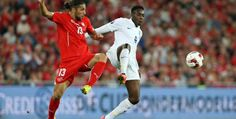 Switzerland  0 : 2 England : England have lift-off with Danny Welbeck's double against Switzerland