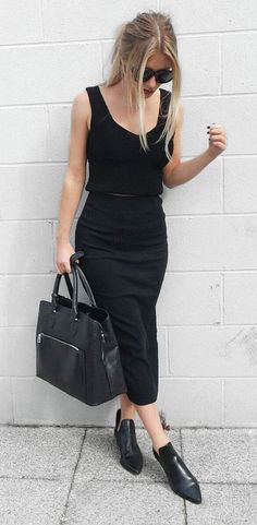 trendy black outfit: top + skirt + bag + boots