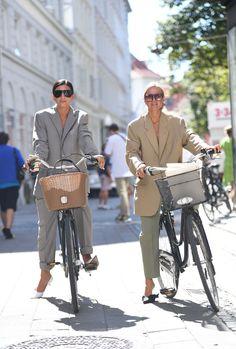 The Best Street Style at Copenhagen Fashion Week : Straatstijl Outfits Rihanna Street Style, Model Street Style, Berlin Street Style, Copenhagen Street Style, Best Street Style, Copenhagen Fashion Week, Cool Street Fashion, Street Style Women, Best Style