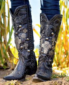 Double D Ranch Boots are high quality, fashionable, cowgirl boots. We also have DD Ranch Boots on sale and on clearance to go with your ranchwear. Fringe Ankle Boots, Studded Ankle Boots, Thigh High Boots, Leather Boots, Leather Sandals, Black Cowgirl Boots, Western Boots, Black Boots, Cowgirl Style