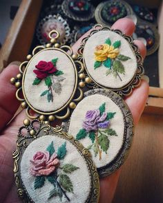 Wonderful Ribbon Embroidery Flowers by Hand Ideas. Enchanting Ribbon Embroidery Flowers by Hand Ideas. Bullion Embroidery, Learn Embroidery, Rose Embroidery, Embroidery Patterns Free, Hand Embroidery Stitches, Silk Ribbon Embroidery, Embroidery Jewelry, Modern Embroidery, Hand Embroidery Designs