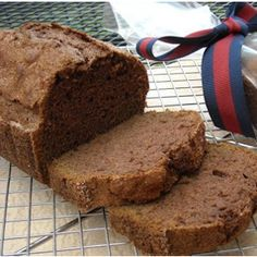 Homemade Amish Friendship Bread. Amish recipes are fun and easy for any one to make.