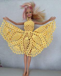 Irresistible Crochet a Doll Ideas. Radiant Crochet a Doll Ideas. Crochet Barbie Patterns, Crochet Square Patterns, Crochet Doll Pattern, Knitted Dolls, Crochet Dolls, Barbie Wardrobe, Barbie Basics, Crochet Barbie Clothes, Single Crochet Stitch