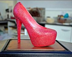 World's most expensive Mother's Day gift are high heels made from CHOCOLATE - SWNS Lindt Gold Bunny, Expensive Chocolate, Home Made Candy, One Step Beyond, Most Expensive, Christian Louboutin Shoes, Louboutin Pumps, Designer Heels, Mother Day Gifts
