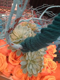 Design Master table by Jodi Duncan, AIFD  Miami AIFD Symposium orange blue yarn succulents