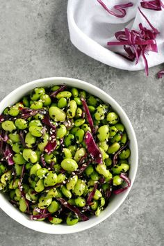 Japanese Furikake Edamame // V + GF // Furikake is a savory Japanese seasoning that can be used to brighten the flavor of cooked rice and vegetables. In this recipe, we use it to boost the yum factor of protein-packed edamame. #vegan #glutenfree