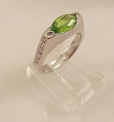 Ladies Russian Formula Peridot CZ Silver Ring~Size 8-Free Gift Box