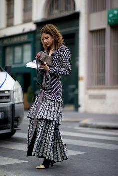 Long Sleeve Dress / Street style fashion / Source by amartinezcompany fashion dresses Fashion Mode, Girl Fashion, Fashion Outfits, Womens Fashion, Dress Fashion, Style Fashion, Fashion Trends, Fashion Fashion, Fashion Shoes