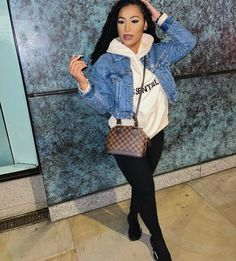 Grown Women, Fall Clothes, Fall Outfits, Lounge, Woman, Casual, Closet, Airport Lounge, Drawing Rooms