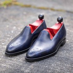 http://chicerman.com  jfitzpatrickfootwear:  Loafer season is coming! Laurelhurst in Navy museum is a great alternative to the norm.  #jfitzpatrick #jfitzpatrickshoes #jfitzpatrickfootwear #loafers #mensshoes #mensstyle #style #dressshoes #shoes #theshoesnob  #menshoes