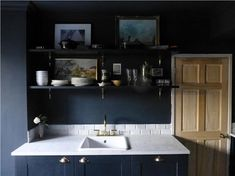 Browse thousands of interior and exterior images from Farrow & Ball. Be inspired with stunning home decor images and design ideas for your home. Painting Kitchen Cabinets, Kitchen Paint, Kitchen Shelves, Kitchen Design, Farrow And Ball Living Room, Farrow And Ball Kitchen, Farrow Ball, Dark Blue Rooms, Best Kitchen Colors