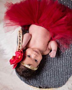 Emmeline LEGRAND Photographe Toulouse (@emmelinelegrand) • Shooting Bébé Legrand, Crown, Fashion, Photography, Moda, Corona, Fashion Styles, Fashion Illustrations, Crowns