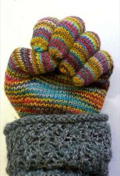 How to Knit Gloves - LOVE gloves HATE knitting fingers!