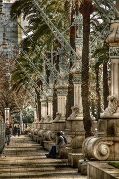 paseo entre arco de triunfo y entrada al paque de la ciutadela