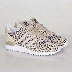 new style 397ef 1d21b adidas ZX 700 - B34330 - Sneakersnstuff   sneakers   streetwear online  since 1999