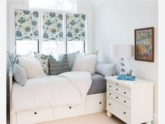 Best elegant small bedroom design ideas with stylish, art touching, and clean design. Small bedroom is best choice for your home with small space. Cozy Small Bedrooms, Small Guest Rooms, Small Room Bedroom, Room Ideas Bedroom, Trendy Bedroom, Cozy Bedroom, Dream Bedroom, Bedroom Decor, Master Bedroom