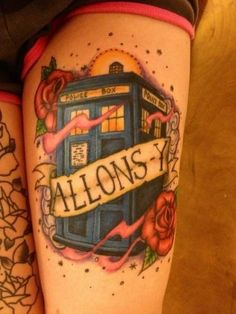 """fuckyeahtattoos: This is a fan tattoo of a TARDIS from the British TV show Doctor Who. """"Allons-y"""" is something the Tenth Doctor says. (Done by Leah Goodlett at Lambadi City Tattoo in Farfield, Ohio) Dr Who Tattoo, Doctor Who Tattoos, Fan Tattoo, City Tattoo, Doctor Tattoo, Tattoo Life, Tardis Tattoo, Doctor Who Tardis, Tenth Doctor"""