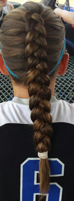 Sports hair.- Jill Walden