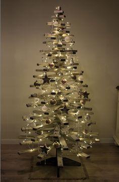 #jul #juletre #christmastree #christmas #alternativt juletre Christmas Tree, Holiday Decor, Home Decor, Teal Christmas Tree, Decoration Home, Room Decor, Xmas Trees, Christmas Trees, Home Interior Design