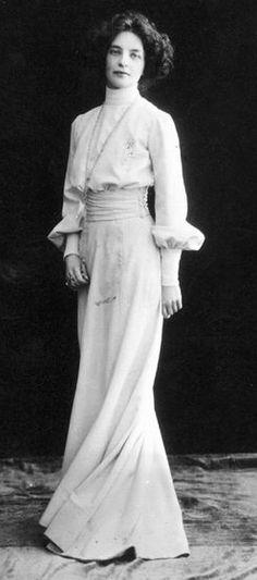 Russian poet Zinaida Gippius, 1910s