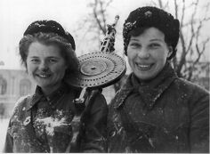Two female Russian soldiers with their Degtyaryov light machine gun, during the Siege of Leningrad, Jan 1943