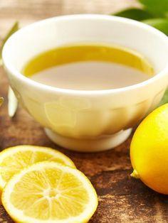 Eine Kur aus nur zwei Zutaten: Olivenöl und Zitrone