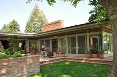 Neusteter House. Architect is Victor Hornbein, Usonian Style and built in 1947