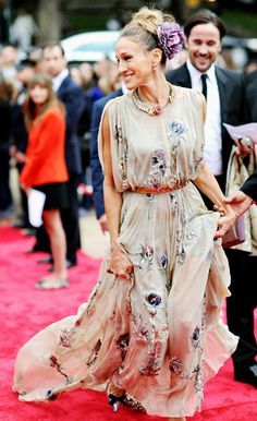 Sarah Jessica Parker attended the New York City Ballet Fall Gala at the David H. Koch Theater in Manhattan September 20.    Read more: http://www.usmagazine.com/hot-pics/sjp-s-on-point-2012219#ixzz279bNJMzx