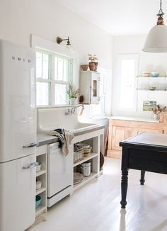 Smeg and other changes in my kitchen - The Vintage Whites Blog