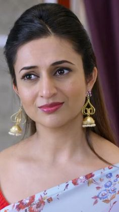 Beautiful Lips, Gorgeous Women, Beauty Full Girl, Beauty Women, India Beauty, Beauty Queens, Flower Wall, Beautiful Actresses, Bollywood Actress
