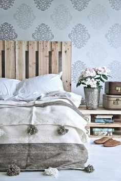 Bedroom   ベッドルーム   Camera da Letto   Dormitorio   Chambre à Coucher   спальня   Boudoir   Bed   Decor   Manchester   Pallets