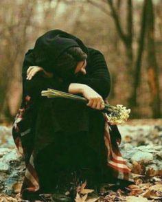 Photo ideas for Muslim girls Lovely Girl Image, Beautiful Girl Photo, Cute Girl Photo, Girl Photo Poses, Beautiful Hijab, Girls Image, Girl Photos, Sad Girl Photography, Couple Photography Poses
