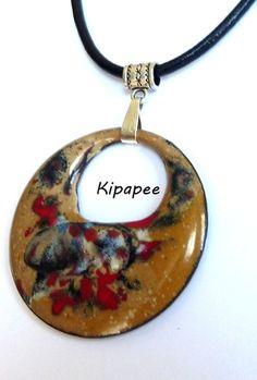 """Emaux sur cuivre : """"touches colorées sur variation de beige""""  : Collier par kipapee"""