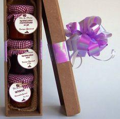 Cofre de madera 3 mermeladas artesanales * 30 gr cada una de uva,uchuva y chontaduro baja en calorías endulzada con panela orgánica Valor: $25.000