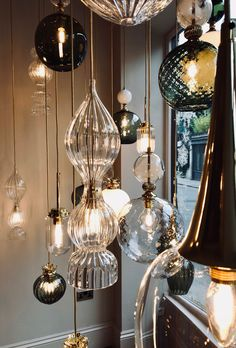 Bespoke lights in the Christmas window of Rothschild & Bickers showroom Cross Street Lounge Lighting, Interior Lighting, Cool Lighting, Luminaire Original, Christmas Interiors, Upcycled Home Decor, Interior Exterior, Kitchen Lighting, Chandelier Lighting