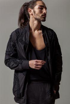 Mashael AlRajhi presenta la collezione p/e 2016 dedicata al bianco e nero. #MashaelAlRajhi #menswear #robertoneri #stefanoguerrini #stefanoguerrini.vision #webelieveinstyle