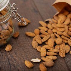 Lena Wellermann für Suessundclever.de Almond, Food, Almonds, Sevilla Spain, Get Tan, Eten, Almond Joy, Meals, Diet
