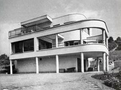 Járitz villa, designed by Jozsef Fischer Art Deco Buildings, Modern Buildings, Beautiful Buildings, Modern Architecture, Casa Art Deco, Art Deco Home, Budapest, Le Corbusier, Villas
