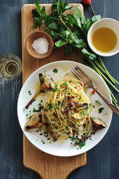 // spaghetti with chili and artichokes