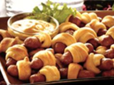 No party spread is complete without the classic taste of Pigs In a Blanket from Hillshire Farm. Ingredients: 2 packages ounces each) refrigerated crescent roll dough 1 package Lit'l… Meat Appetizers, Appetizers For Party, Party Snacks, New Recipes, Cooking Recipes, Favorite Recipes, Recipies, Piggies In A Blanket, Crescent Roll Dough