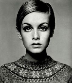 Model Twiggy with her famous pixie haircut
