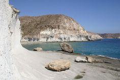 Cala de Enmedio, virgin beach in Natural Park of Cabo de Gata, Almería © OM http://www.lascasasylosarboles.com