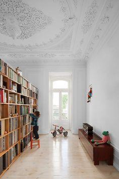 Loft em Lisboa pelo Atelier Veloso Arquitectos | HomeAdore
