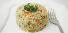 I love brown rice. It's healthy, easy to make and very versatile. just let your creative juices flow! Fried Brown Rice, Fried Rice, Zimbabwe Food, Cauliflower Rice, Risotto, Breakfast Recipes, Healthy Recipes, Healthy Meals, Fries