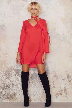 Red dress v neck 900