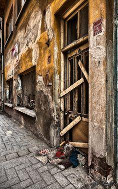 Lives Passed Here by Alper  Temizel, via 500px