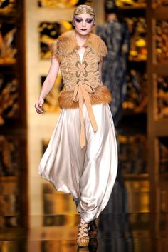 Christian Dior Fall 2009 Ready-to-Wear Collection Photos - Vogue