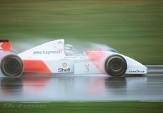 Many know of Ayrton Senna's great mastery of driving Formula 1 cars extremely well and flamboyantly in the wet. The truth was that Ayrton was terrible in the rain when he was younger. He would win every competition or race in the dry, but when it. Grand Prix, Gilles Villeneuve, Mclaren Mp4, Formula 1 Car, F1 Drivers, F1 Racing, Drag Racing, Car And Driver, Vintage Racing