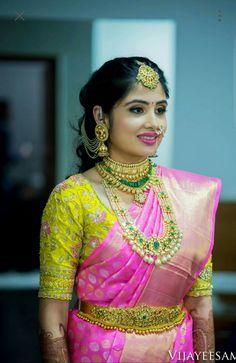 Saree Blouse Neck Designs, Half Saree Designs, Fancy Blouse Designs, Bridal Blouse Designs, Kurta Designs, Dress Designs, Mehndi Designs, South Indian Bride, Indian Bridal
